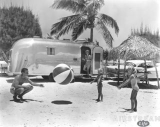 airstream-beach-familly-10