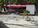 airstream hawai  martinique vacance pieds dans l'eau bord de plage camping hotel résidence bungallow